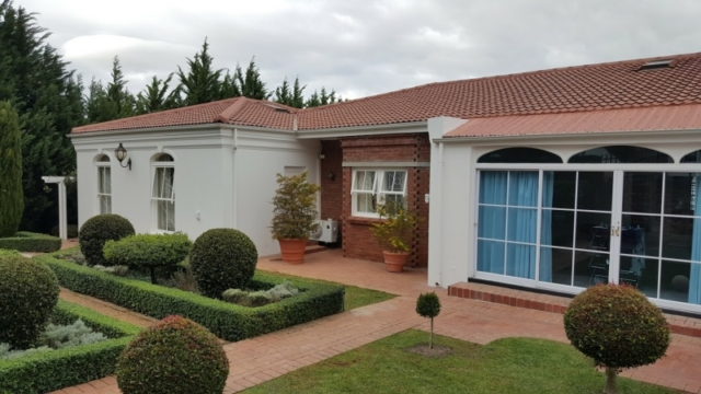 building renovations somerset west
